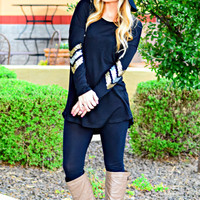 ON POINT SEQUIN ELBOW TOP IN BLACK