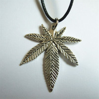 1pcs Black Wax Cotton Cord with Tibetan Leaf Charm hemp Pendant Necklace Pagan Wiccan