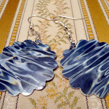 Paper earrings with water pattern made from an old by NellinShoppi