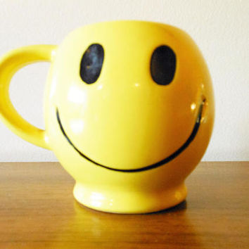 McCoy HAVE A HAPPY DAY Mug, 1970's Yellow Smiley Face Mug, Nelson Smiley Face Coffee Cups, Happy Face Emoji Mug, Original  McCoy Mug