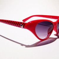 FREE SHIP usa! Cute red cat eye sunglasses / retro sunglasses / cat eye glasses / 1950's style sunglasses / vintage sunglasses / summer wear