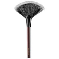 The Large Fan Brush - KEVYN AUCOIN | Sephora