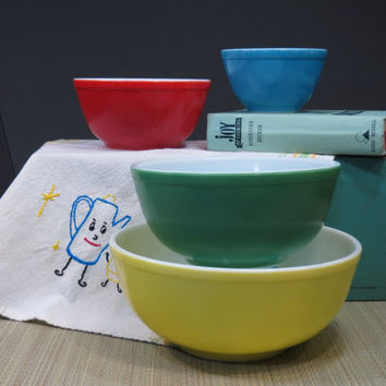 Pyrex Primary Colors 400 Series Mixing Bowls Set of 4 1950s
