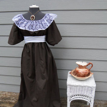 Jane Austen Regency Dress with Lace and Sash by alottocollect