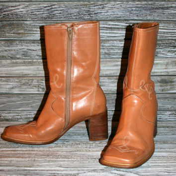 Vintage Leather Boots Womens Size 5 1/2 Square Toe Western Ankle Boot Chunky Heel Zipper Zip Up Light Beige Caramel Camel Tan Made in Brazil