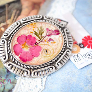 Real Flower Resin Brooch - Real small pink flowers in resin, Pressed Flower Jewelry - Resin Brooch - Resin Jewelry, Antique Silver Frame