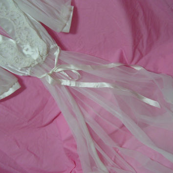 Victoria Secret, Long Robe, White, Sheer Nylon, Taffeta Bodice Panels, Size Petite XS, Bridal Honeymoon, Sexy Sleepwear