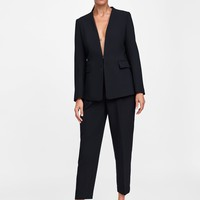 BLAZER WITHOUT LAPELS DETAILS