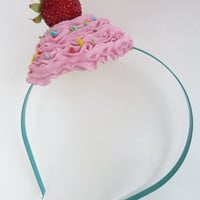 SWEET LIKE CUPCAKE headband photography session prop by shimrita