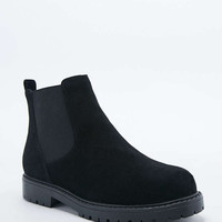 Pace Suede Chelsea Boot in Black - Urban Outfitters
