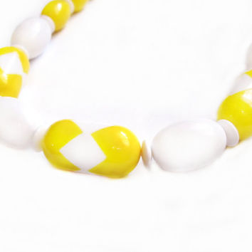 Retro Yellow and White Lucite Plastic Bead Necklace