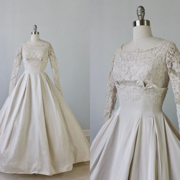 1950s Wedding Dress / 1950s Lace Wedding Gown / Long Sleeves / Chapel Train / Elegance