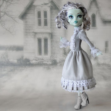 Monster High doll clothes  white and gray alice victorian lolita dress