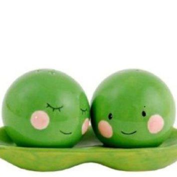 Peas in a Pod Salt & Pepper Shaker Set