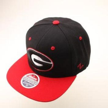 V0NE05TF NCAA Georgia Bulldogs Zephyr Black Snapback Hat