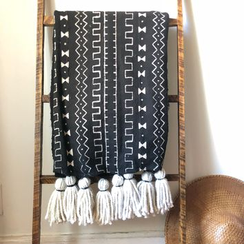 Black and White Mudcloth Blanket with Tassels