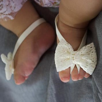 1Pair Baby Sandals Lace Barefoot