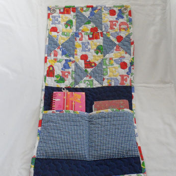 QUILTED WALL HANGING 4 Baby/ 2 Pockets/ Wallhanging 4 Baby's Room/ Handmade Baby Shower Gift/ Baby Room Wet Wipe/Powder Holder Wall Hanging