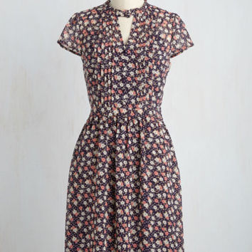 Oh Say Can Museum Floral Dress in Navy Bloom | Mod Retro Vintage Dresses | ModCloth.com