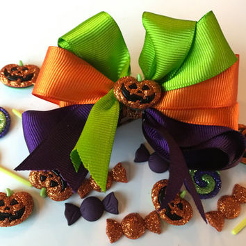 Halloween Bow (Choose your own charm!)