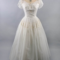 Vintage 50's Wedding Dress // Short Sleeve Sweetheart Tulle Dress // Sequins, Lace & Pearls // Buttoned White Wedding Gown - sz S