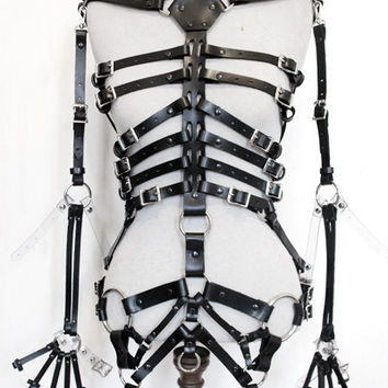 Zana Bayne Leather — Skeleton Harness