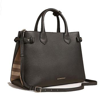 DCCK Tote Bag Handbag Burberry The Medium Banner in Leather and House Check Black Item 39589781