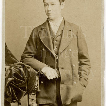 CDV Carte de Visite Photo Victorian Young Handsome Man / Boy with Peaked Cap Portrait - H Cox of Dalston London England - Antique Photograph