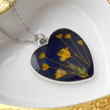 Heart necklace, surgical steel chain, real flowers in resin, real flowers pendant, navy blue pendant, navy blue jewelry, terrarium necklace