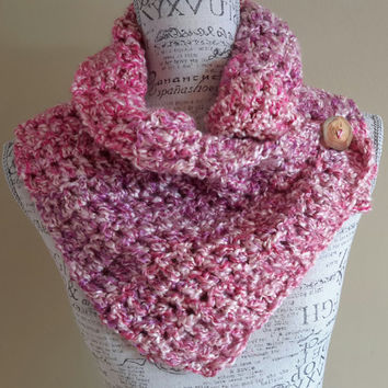 crochet button scarf. katniss inspired. pink cowl. Made by Bead Gs on ETSY.