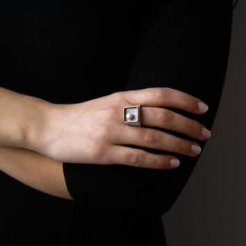 Square and pearl sterling ring, minimal modern sterling ring of a square with white pearl, sterling, modern minimalist ring with white pearl