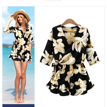 Flower Print 3/4 Sleeves V-neck A-line Fashion Short Jumpsuits