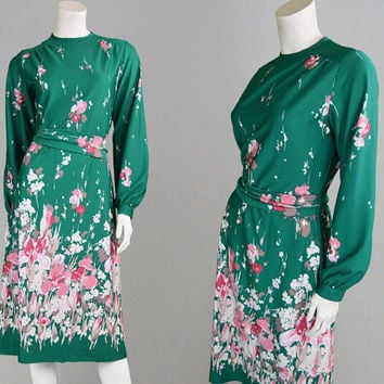 Vintage 70s Green Floral Dress Boho Dress Midi Dress Knee Length Bishop Sleeve Border Print Oriental Dress Asian Dress Hippy Dress Festival