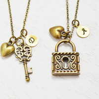 best friend necklace,heart jewelry,key lock couples matching necklace,best friend gift,skeleton key,custom initial,friend birthday,bff gift
