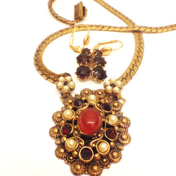 Vintage Karu Fifth Avenue Pendant Necklace with Married Earrings, Victorian Revival, Garnet and Pearls, Brass, 1940s