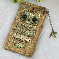 Owl Iphone 4 case, Iphone 4s Case, Iphone Case, Iphone 4 cases, Vintage style owl with Brass Branch Hard Case Cover