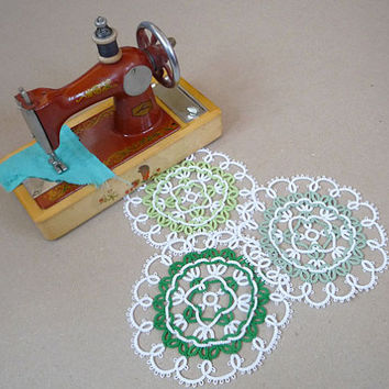"Set of three tatting doilies ""Green Apple""  - wedding decor - home decor - tatting needle  - lase coasters"