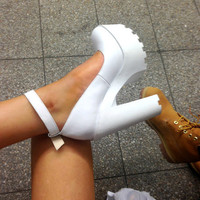 Shoes: white heels, white high heels, white, high heels, high heels, cute, platform shoes, clueless, love it, white shoes, white heals, cleated sole, jeffrey campbell, white platform heels, comfortable shoes, .shoes, platform shoes, platform high heels, c