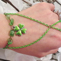 Green Clover Slave Bracelet Ring, 4 leaf Clover, Shamrock, Quartz, Hand Painted, Charm, Bracelet, Hand Chain, Hand Jewelry, Body Jewelry