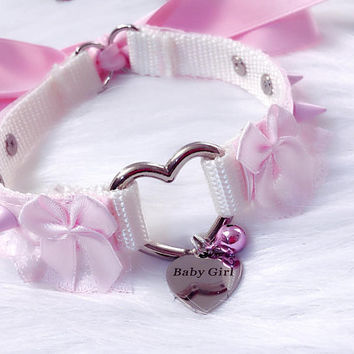 """MADE TO ORDER: Baby Pink Heart Ring Skinny Slim 5/8"""" Spiked Bows Baby Girl Collar"""