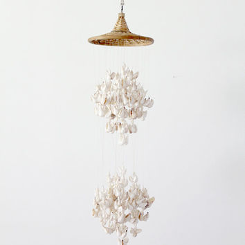 vintage seashell mobile / sea shell hanging