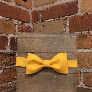 Mellow Yellow Bowtie - Mens or Womens Adjustable bowtie