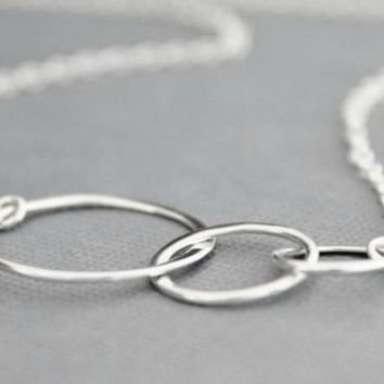 Generation Necklace, Three Ring Necklace, 3 Generations, Family Necklace, Gifts For Her, Past Present Future, Mother Daughter Grandchild