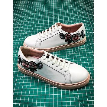 2018 OZLANA Spring Embroidery Flower White Sneaker - Sale