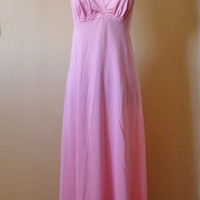 vintage VANITY FAIR pink full length nightie. nightgown
