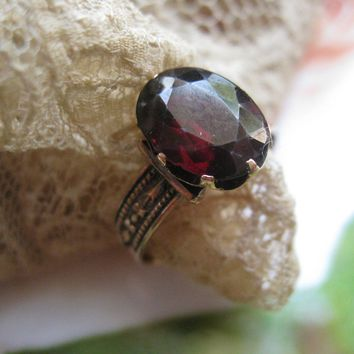 Victorian Garnet Ring, Garnet Solitaire Ring. Garnet Birthstone Ring, January Birthstone