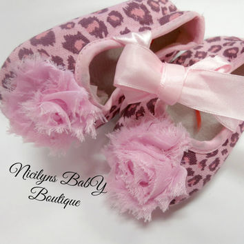 Pink Cheetah Crib Shoes - Animal Print - Pink with Flower accents - 6 - 12 months, Photo Props, Newborn Gift, Baby Shower Presents, New Baby