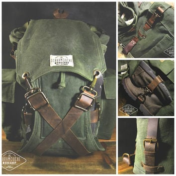 The Globetrotter Pack - Waxed Canvas Backpack, for Hiking, Camping, Bushcraft, Travel bag, leather straps, water resistant, military style