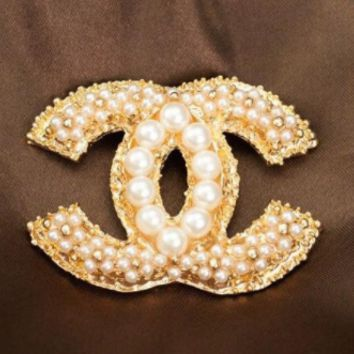 Chanel pea pearl brooch lady luxury accessories pin