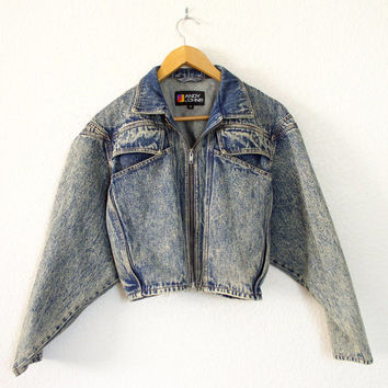 Vintage 1980s Women's Cropped Acid Washed Denim Jacket - Oversized Kimono Sleeve Jean Jacket - Size Medium